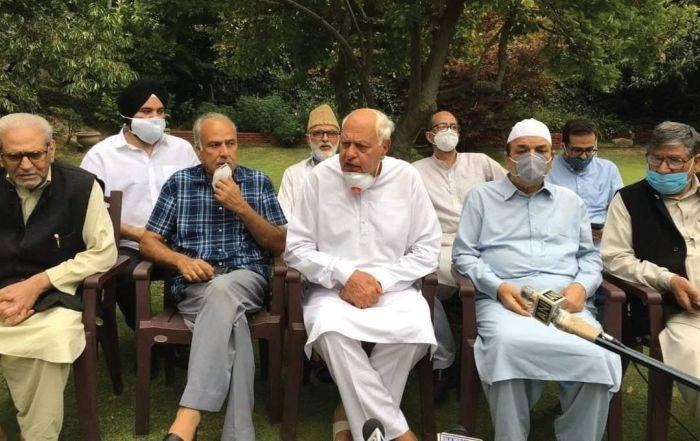Farooq Abdullah meets 4 leaders at home