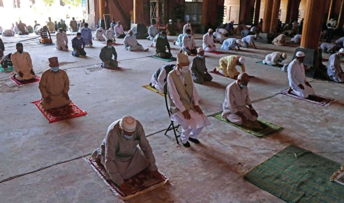 Srinagar's Jamia Masjid reopens for prayers after 150 days