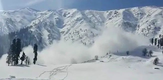 Avalanche warning issued for four districts in Kashmir