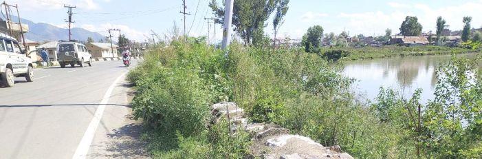 Pampore residents seek strengthening of weak Jhelum embankments