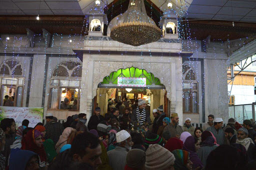 Urs of Makhdoom Sahib concludes without night-long prayers due to Covid-19