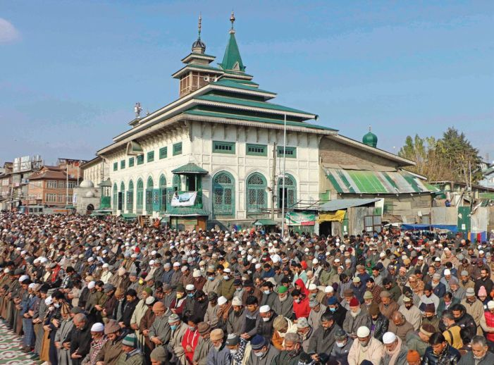 A great fair descends on Khanyar on the Urs of Dastgeer Sahib
