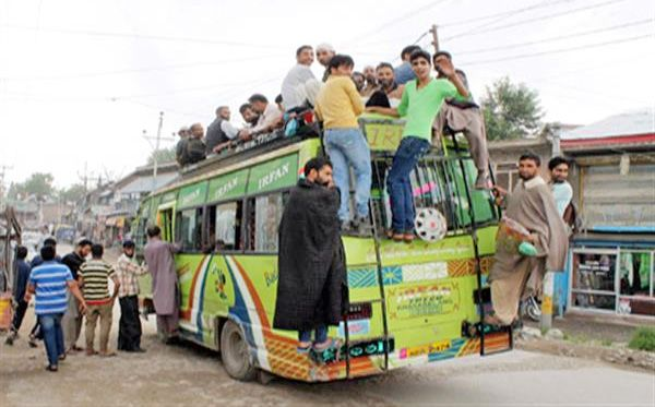 Commuters suffer due to shortage of mini-busses across north Kashmir
