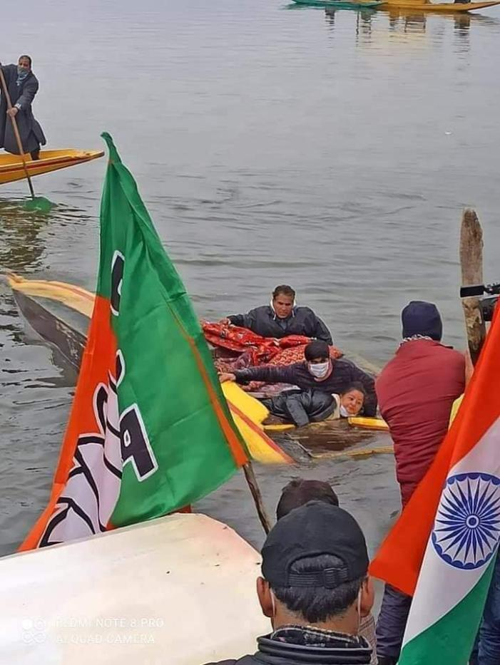 Boat carrying BJP activists at its Dal rally capsizes