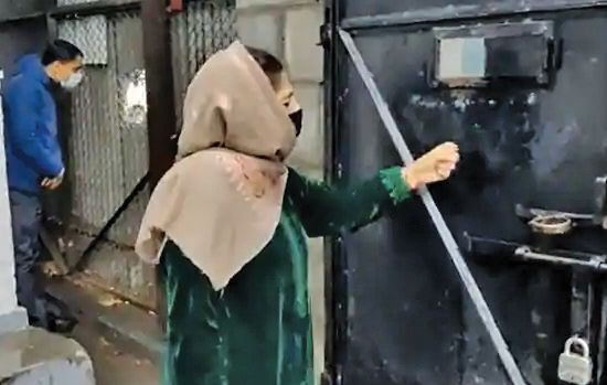 Mehbooba prevented from visiting families evicted from forest land in Budgam