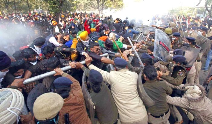 Union ministers start ninth round of talks with protesting farmer unions