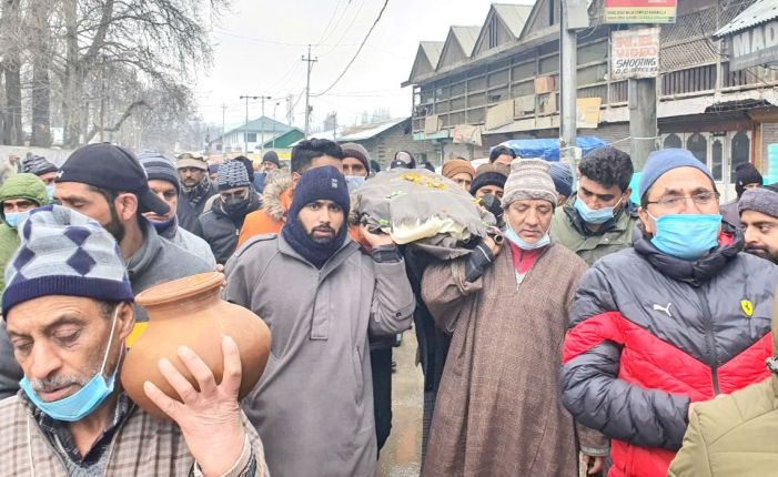 Muslim neighbours helped Kashmiri Pandit family perform last rites of son in Baramulla