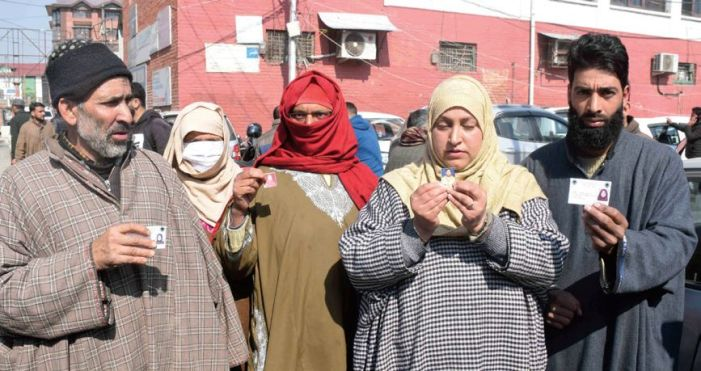 Family of arrested militant protests in Srinagar, claims innocence