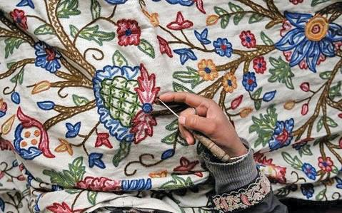 Women artisans stitch Kashmir's first artisan-owned company