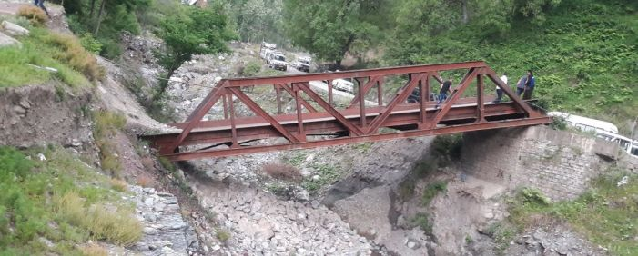 Damaged Uri bridge being used by school children for 5 years now