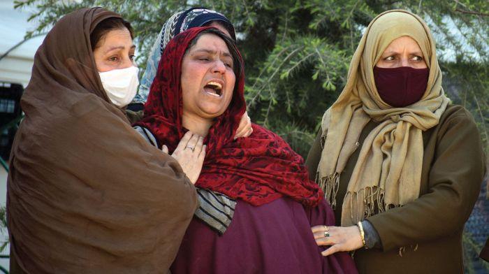 Militants kill policeman guarding BJP leader's home in Srinagar