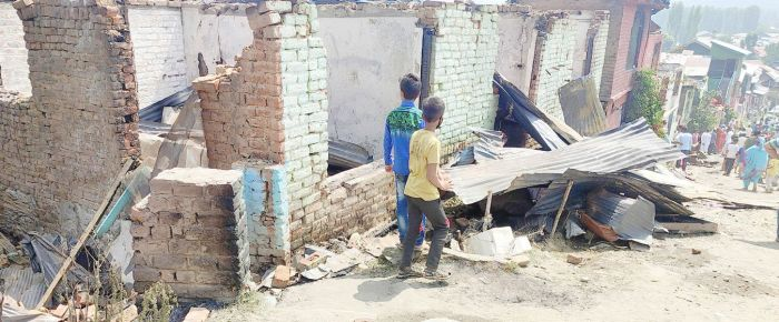 29 families left homeless after late night blaze in Baramulla