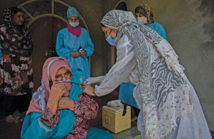 Doctors, paramedics in J&K go all out to shoulder vaccination work