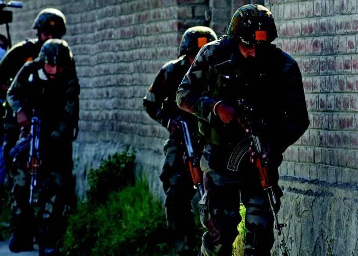 Firefight underway on Srinagar outskirts