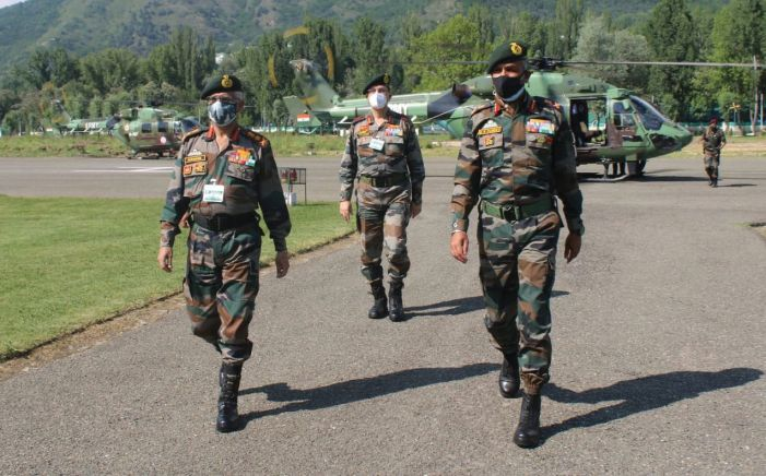 On 100 days of ceasefire along LoC, General Naravane visits Valley to review security situation