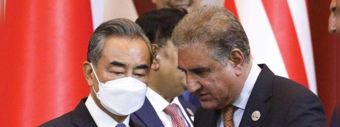 China, Pak FMs hold talks, Qureshi raises Kashmir issue