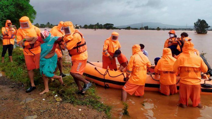 Monsoon fury leaves 113 dead, 100 missing in Maharashtra