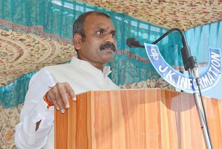 MoS I&B inaugurates several projects in Shopian