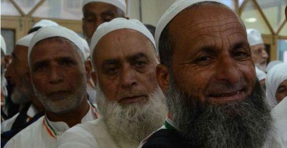 First batch of Haj pilgrims from Srinagar leave