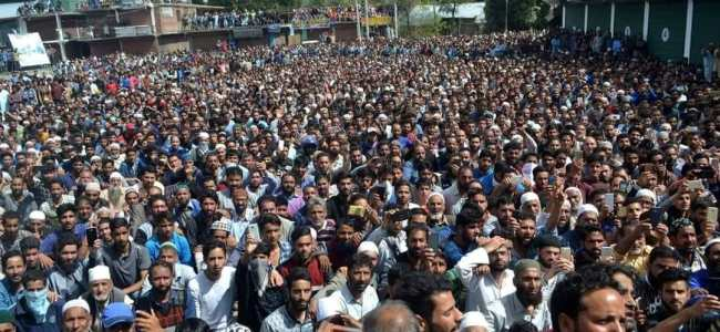Pulwama: Thousands attend slain militants funerals