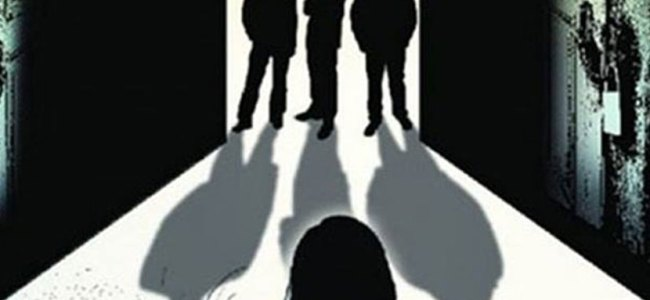 Flesh trade racket busted in Maharashtra, three held
