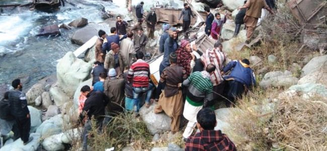 13 killed, 17 injured as bus skids into gorge in Poonch