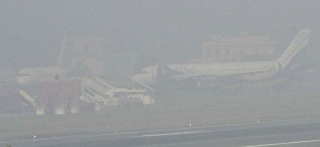 Low visibility disrupts flight operations at Delhi airport
