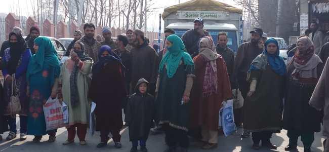 Shortage of doctors triggers protests in Sopore
