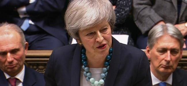 Theresa May to contest confidence vote 'with everything I've got'
