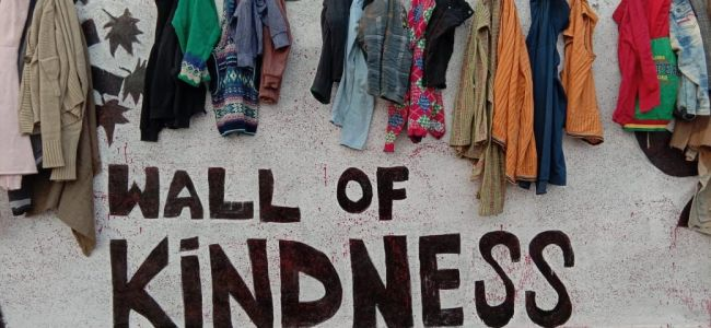 'Wall of kindness' generates warmth for those in need