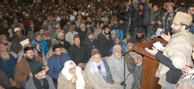 Delhi never extended unconditional dialogue offer to us: Geelani, Mirwaiz
