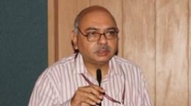 Handicrafts lifeline of Kashmir art, says Advisor to Guv