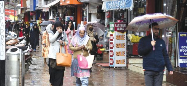 Mercury slides as rains lash Valley, parts of Jammu