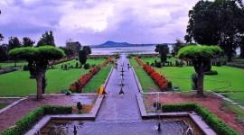 Govt signs MOU for conservation of Shalimar, Nishat Gardens