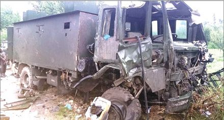 Militants trigger 'car blast' in Pulwama, 9 soldiers injured