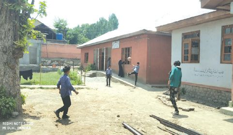 Lack of space repelling students from this Pulwama school
