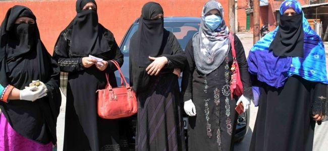 Either give us rights or deport us: Pakistani women to Govt