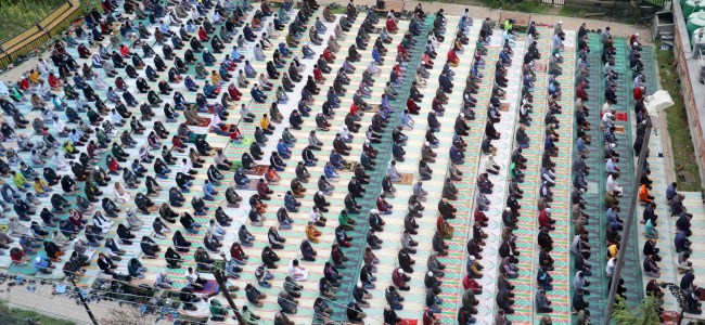 Maintaining social distance while offering prayers in a local Masjid amid the pandemic Muslims across Kashmir observed the first day of the holy month of Ramadhan. KV Pic