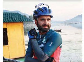 Kashmiri Cyclist sets Guinness record