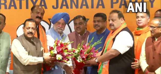 Rana, Slathia join BJP in presence of central ministers