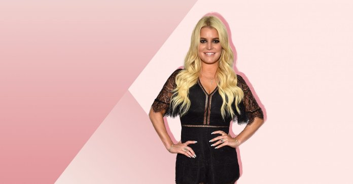 Jessica Simpson Lost 100 Pounds in 6 Months—Is That Healthy?