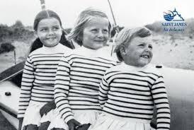 Marinière koszulka francuskich marynarzy, z czasem popularna wśród wszytkich