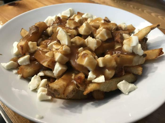 plate of poutine