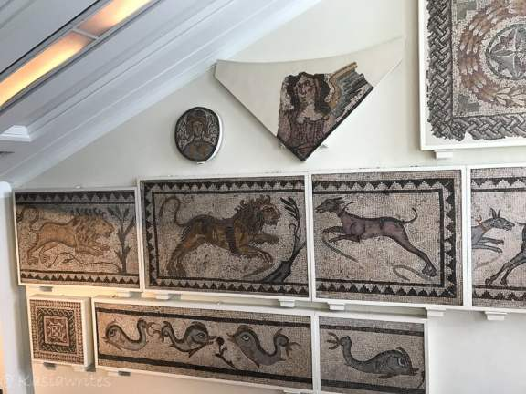 why do people visit museums? to see mosaics