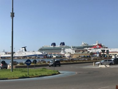cruise ship in cagliari