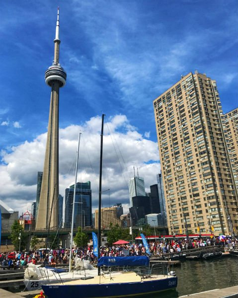 CN tower in Toronto