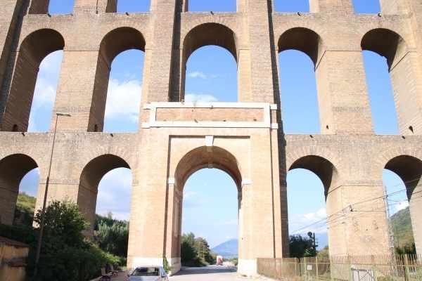Caroline Aqueduct up close