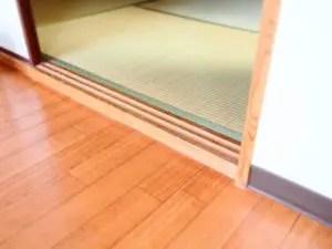 床材の厚さを考えて見切り材で段差を解消