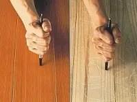 無垢材、合板(集成材)のどちらを採用する場合でも、床材は常に足が触れる部分ですから、可能な限り、実物を触らせてもらうことをお勧めします。 無垢材については最近輸入品も多く出回ってくるようになり、価格の安いものも手に入るようになってきましたが、実際の質感や手触り、傷のつきにくさなどはカタログではわかりにくいものです。そこでリフォーム業者にサンプルをもらい、実際に「見る」「触る」はもちろん、「傷をつけて」床材を確認しておくと、リフォームプランを検討する上で非常に役立ちます。