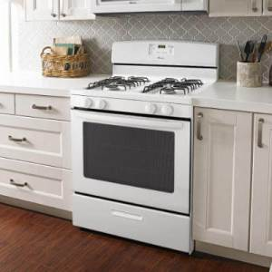 What's The Difference Between a Convection Oven vs Conventional Oven?